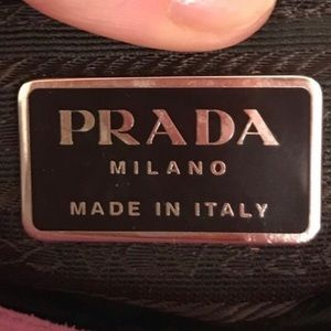 🎉Additional Photos🎉 Prada Wristlet